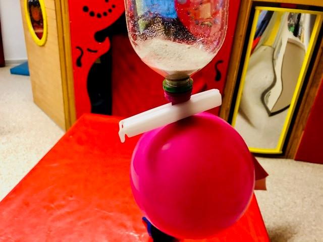 Pois herstellen 3 - Sand in Luftballon