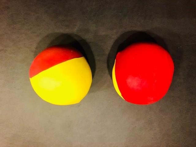 Pois herstellen 6 - Luftballon auf Sandball aufziehen